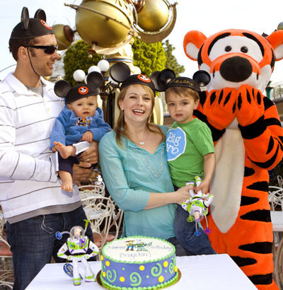 Braydon Wilkerson Celebrates His 1st Brithday With Tigger