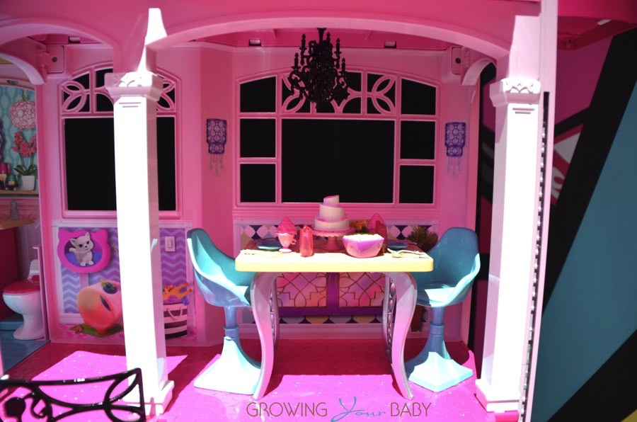 Britax Click Tight >> Barbie 2015 Dream house - barbie's dining room - Growing ...