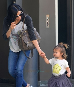 Jenna Dewan Tatum with her daughter Everly in LA