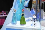 Singing ELsa and ANna by Mattel