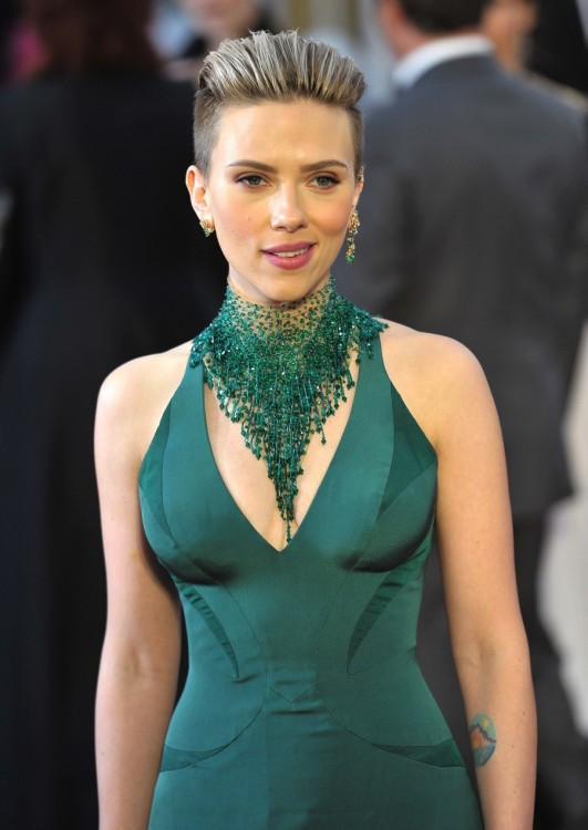 scarlett johansson at the 87th Academy awards