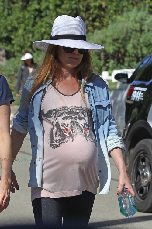 A very Pregnant Isla Fisher stays fit in LA