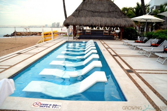 Buenaventura Grand Hotel and Spa - beach water chairs