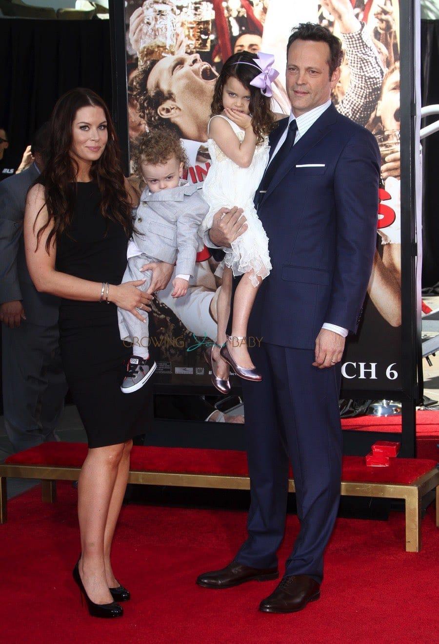 Vince Vaughn Kyla Weber >> Kyla Weber And Vince Vaughn With Kids Lochlyn Vernon At