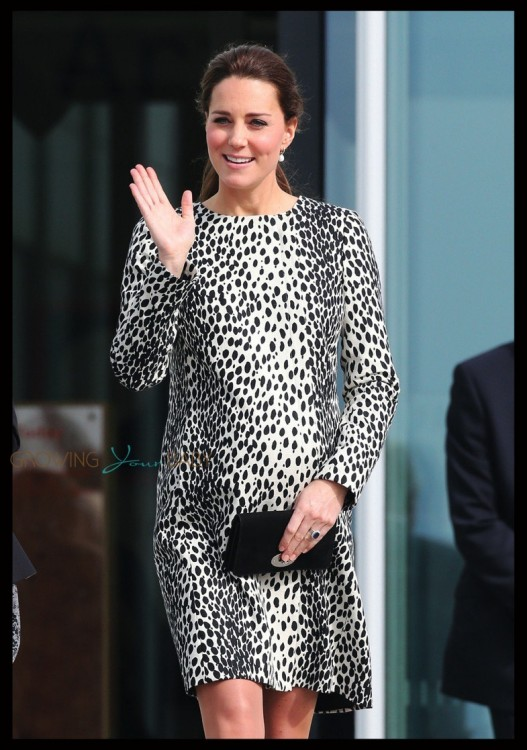 Pregnant Duchess of Cambridge visits Margate