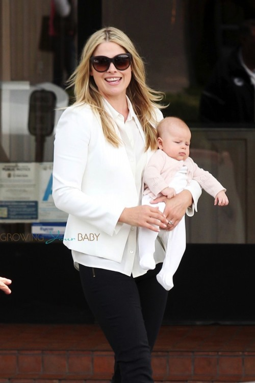 Ali Larter Steps Out With Her Daughter Vivienne!