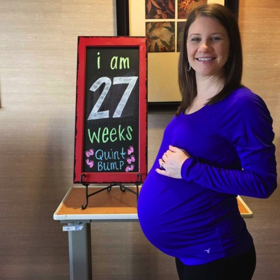 Danielle Busby at 28 weeks quint pregnancy