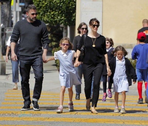 Ben Affleck and Jennifer Garner grab Ice Cream with daughter Seraphina & Violet