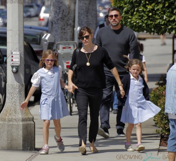 Ben Affleck and Jennifer Garner grab Ice Cream with daughter Seraphina and Violet