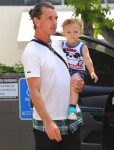 Gavin Rossdale @ the park with son Apollo