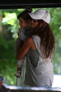 Penelope Cruz with daughter Luna Bardem in Italy