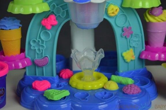 Play-Doh Sweet Shoppe Swirl & Scoop Ice Cream Playset