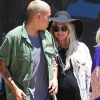 Almost There!  A Very Pregnant Ashlee Simpson Steps Out in LA