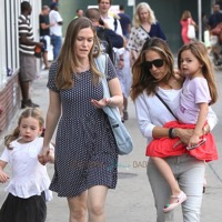 Sarah Jessica Parker Steps Out With Her Girls in NYC