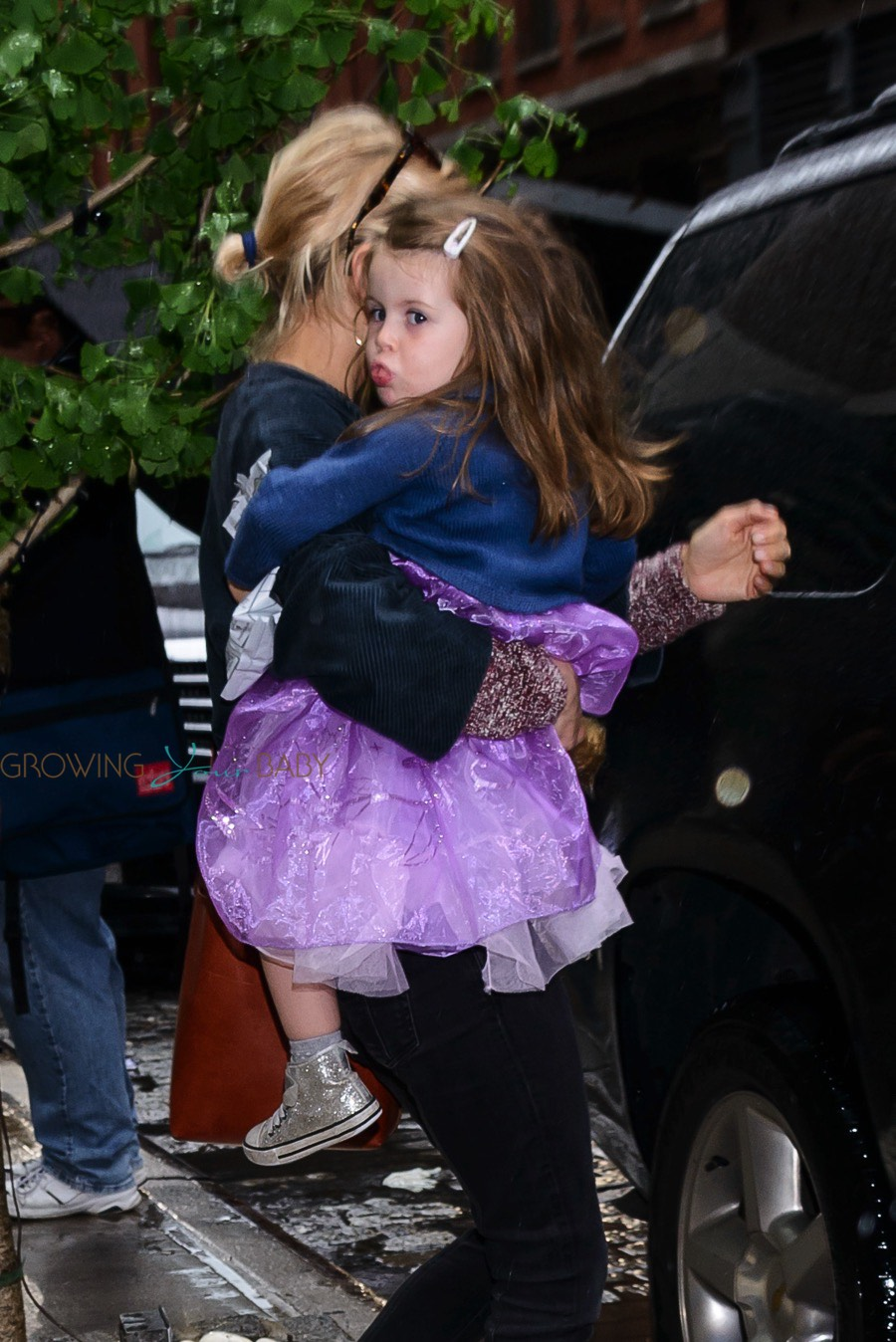 sienna miller with daughter marlowe sturridge dressed as a