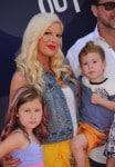 Tori Spelling and Dean McDermott attend the Inside Out Premiere with kids Liam, Stella, Hattie & Finn