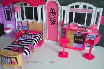 Barbie's GLAM Getaway House
