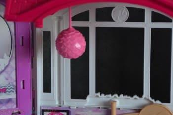 Barbie's GLAM Getaway House - light