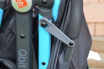 GB Qbit Stroller - frame lock