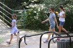 Jennifer Garner at the park with daughter Violet Affleck