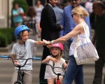 Kelly Rutherford in Central Park with kids Hermes & Helena Giersch