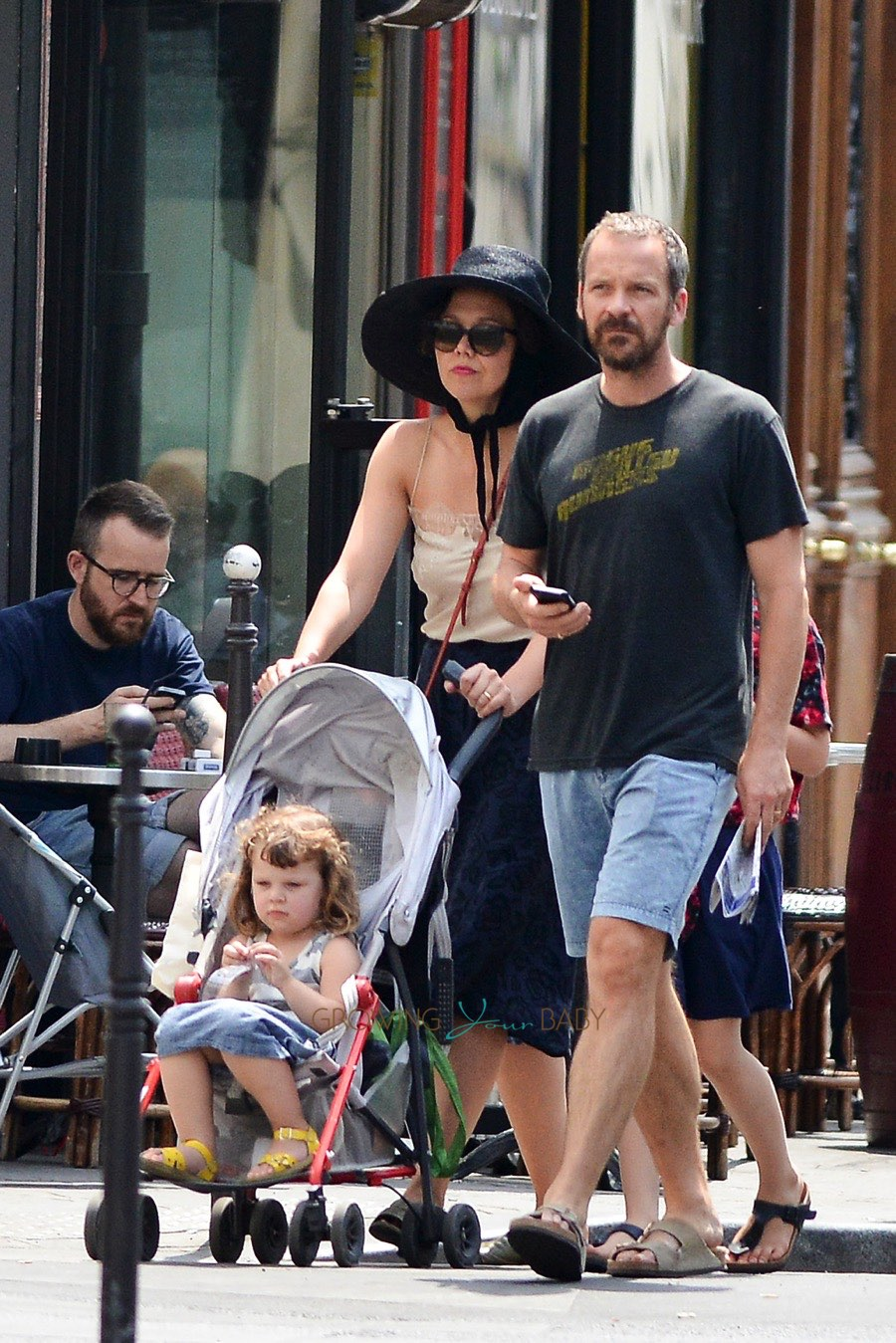Maggie Gyllenhaal And Peter Sarsgaard In Paris With Their