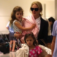 Nicole Kidman Catches The Red Eye With Her Girls!