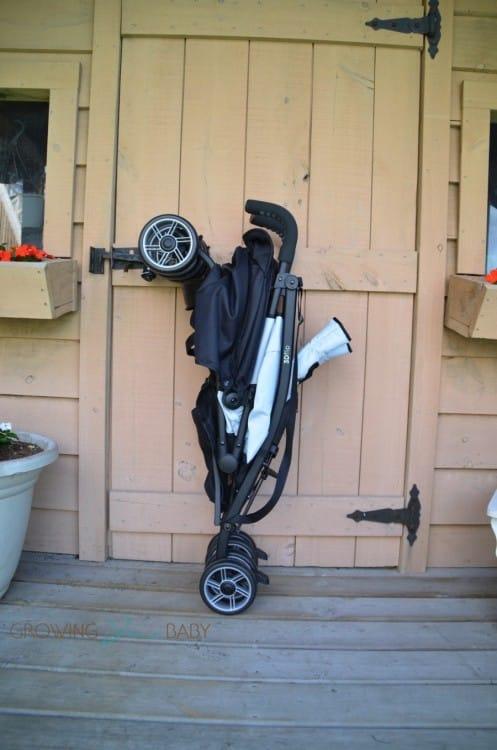 Summer Infant 3DFlip Convenience Stroller - folded
