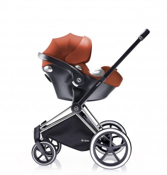 Aton Q infant seat with Priam stroller