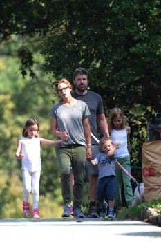 Ben Affleck & Jennifer Garner out for a stroll in Atlanta with kids Sam, Seraphina & Violet