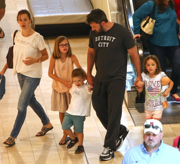 Ben Affleck and Jennifer Garner out in Atlanta, Georgia with their kids Seraphina, Samuel and Violet