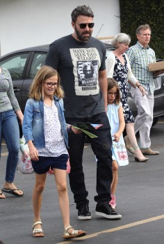 Ben Affleck at the market with his kids Seraphina, and Violet