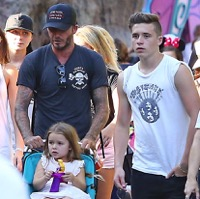 The Beckhams Hit Disneyland!