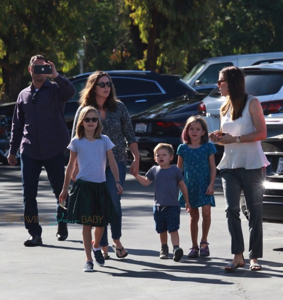 Jennifer Garner at church with kids Violet, Seraphina and Sam
