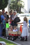 Tori Spelling and Dean McDermott at the market with their kids Stella, Hattie and Finn
