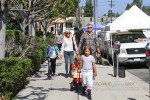 Tori Spelling and Dean McDermott leaving the farmer's market with their kids Liam, Stella, Finn and Hattie