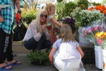 Tori Spelling at the farmer's market with daughters Stella and Hattie
