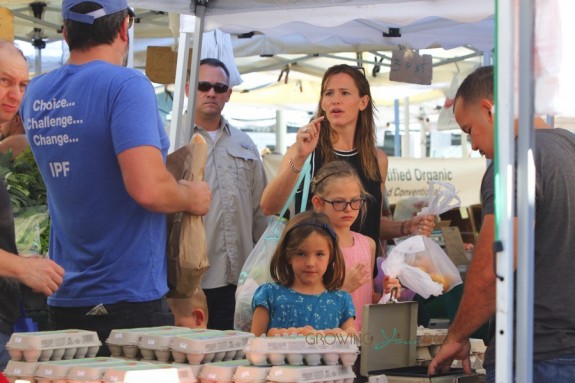 Ben Affleck and Jennifer Garner with kids Violet, and Seraphina at the market in Pacific Palisades