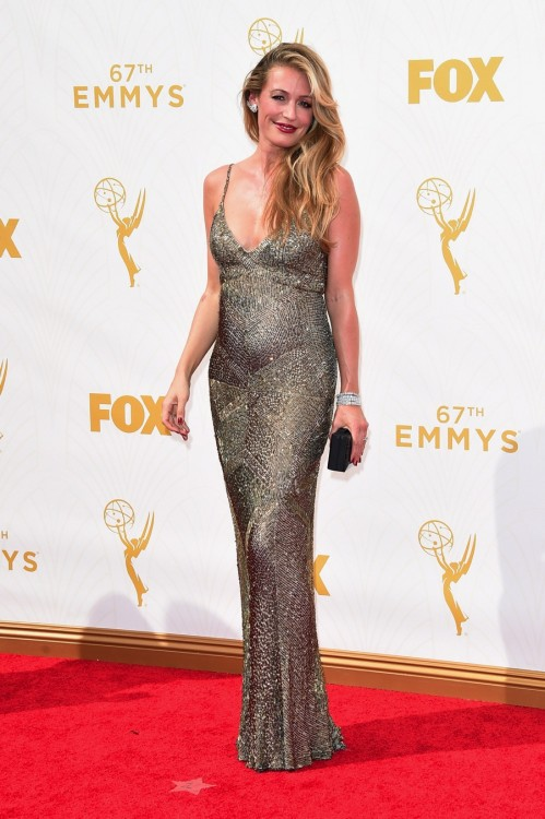 Pregnant Cat Deeley - 67th annual Primetime Emmy Awards