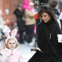 Bethenny & Bryn Get Into The Halloween Spirit!
