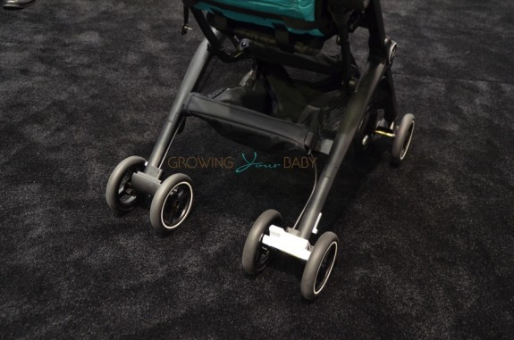 GB Pockit Stroller - wheels and storage