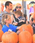 Gwen Stefani with her sons Kingston and Apollo at Shawn's pumpkin patch