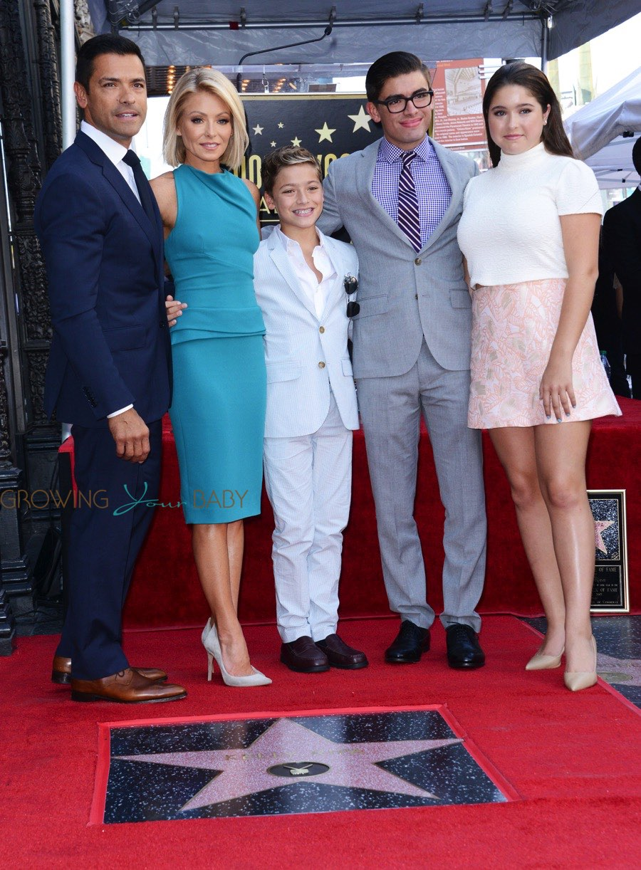 Kelly Ripa And Mark Consuelos With Kids Michael Lola And