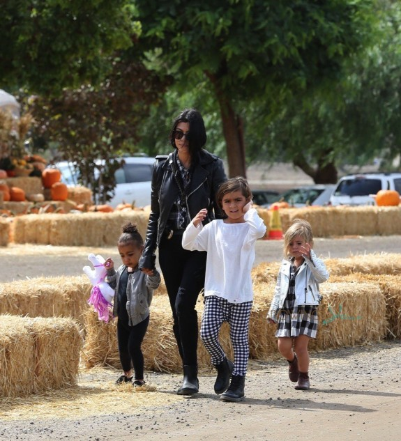 Kourtney Kardashian Enjoys Underwood Family Farms with kids Penelope, Mason & Niece North West