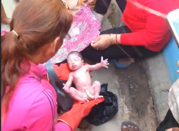 Newborn Baby Discarded in Garbage Bag rescued By Passersby