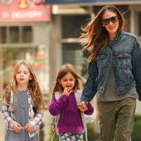 Sarah Jessica Parker Enjoys a Sunny Stroll With Her Girls in NYC