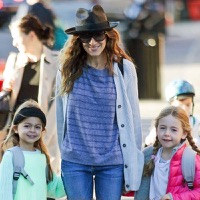 Sarah Jessica Parker Strolls In The City With Her Girls
