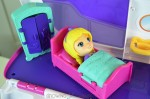 VTECH Flipsies Sandy's House & Ocean Cruiser - in bed