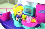 VTECH Flipsies Sandy's House & Ocean Cruiser - kitchen table