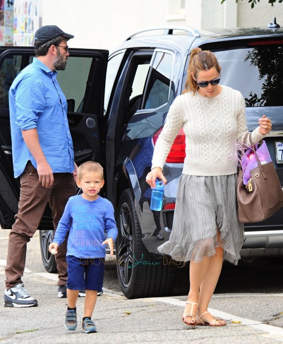 ben Affleck and Jennifer Garner at the market with son Sam